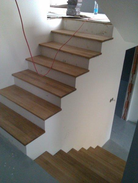Nábytok bez povrchovej úpravy